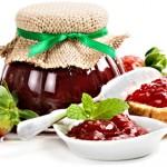 <b>Domácí jahodová marmeláda s vínem</b>