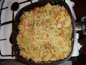 špagetová pánev