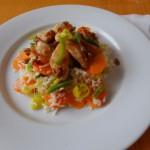 <b>Kuřecí nudličky se slunečnicovým semínkem na zeleninové rýži</b>