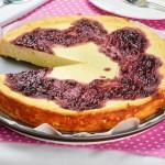 <b>Tvarohový dort s malinovým džemem</b>